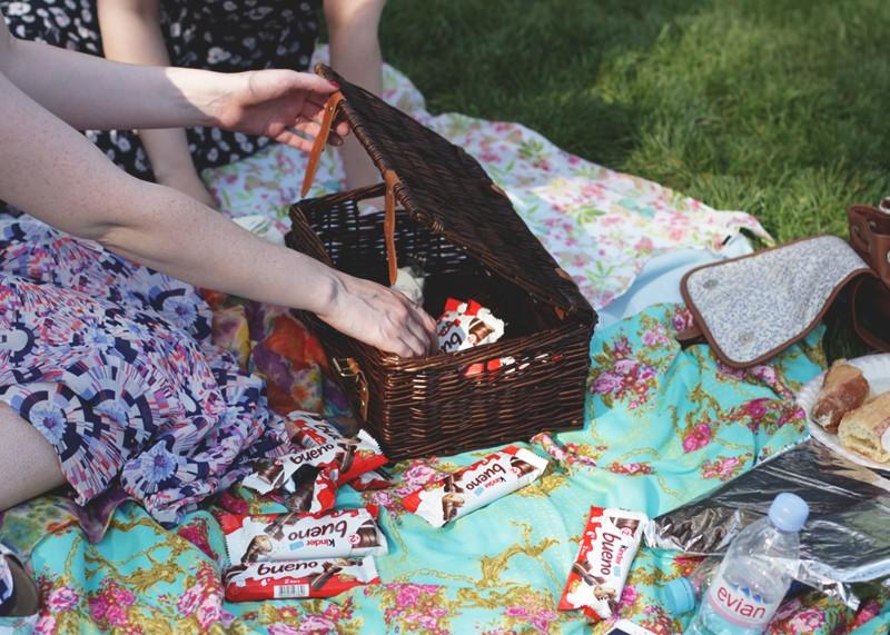Paris picnics, Bumpkin Betty
