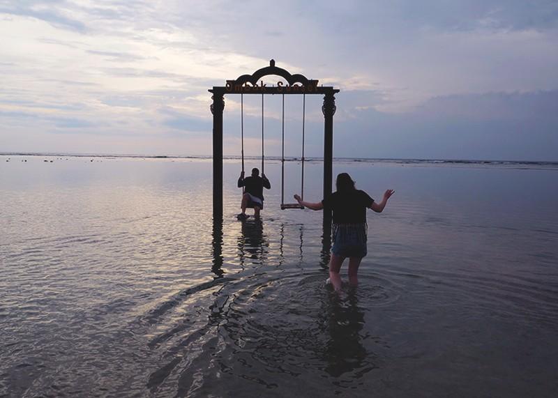 The swing at Gili Trawangan, Bumpkin Betty