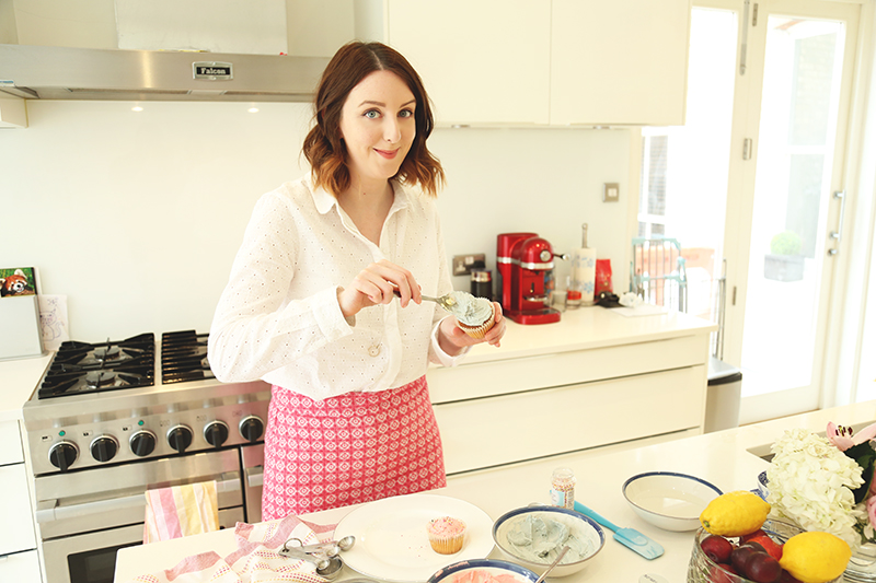 How to bake cupcakes in heels, Bumpkin Betty