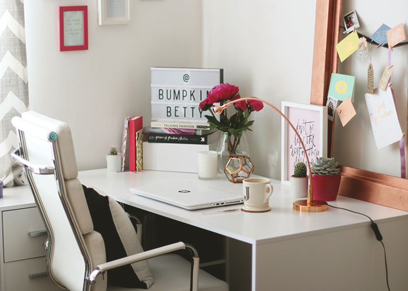 How to choose a desk for your office, Bumpkin Betty