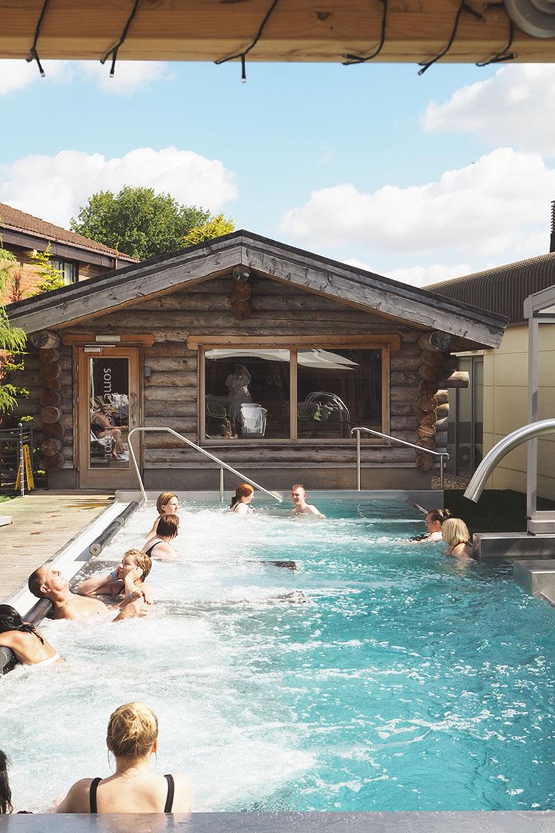 Outdoor spa pools uk, Bumpkin Betty