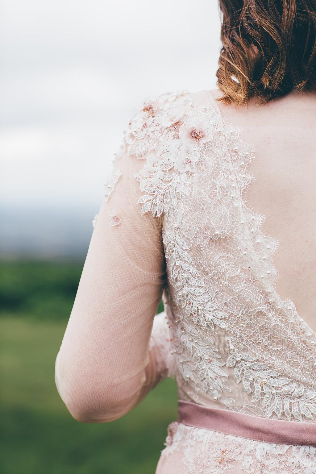 Design your own wedding dress, bumpkin Betty
