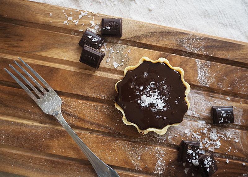Dark chocolate and caramel tarts, Bumpkin Betty