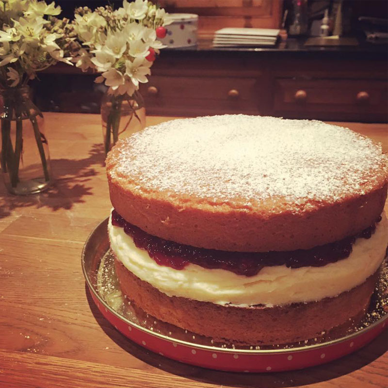 Victoria sponge cake, Bumpkin Betty baking club