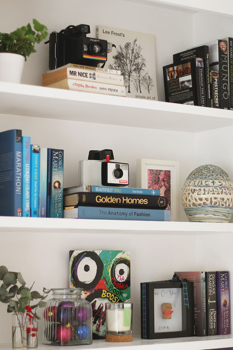How to colour coordinate your bookshelves, Bumpkin Betty
