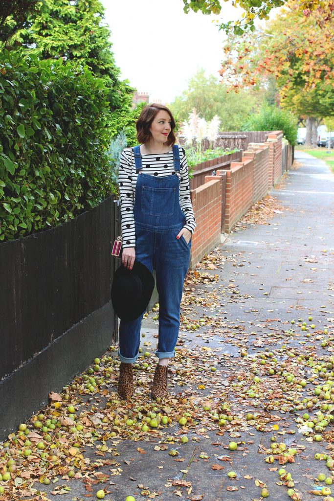 How to wear dungarees, Bumpkin Betty