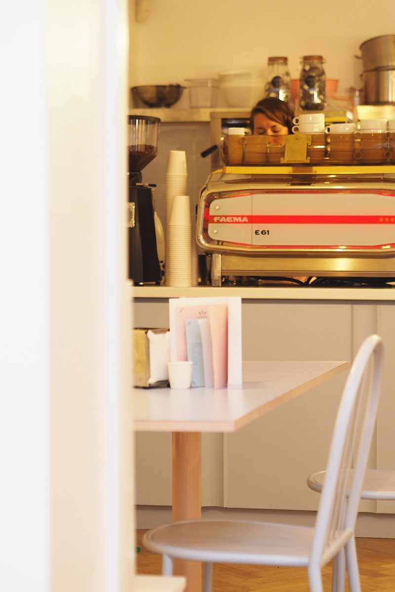 Retro cafes in london, Bumpkin Betty