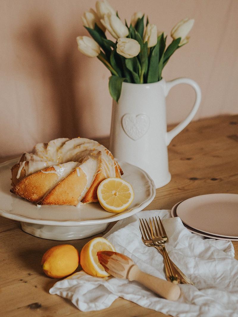 The best lemon bundt cake recipe, Jaclyn Ruth