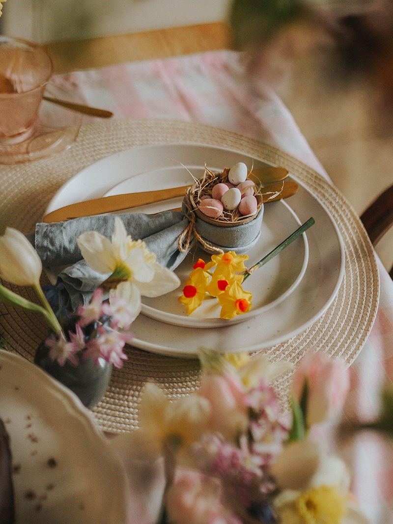 Easter themed place settings, Jaclyn Ruth